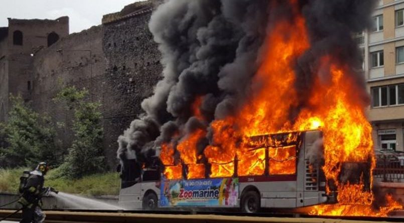 bus-fiamme-atac