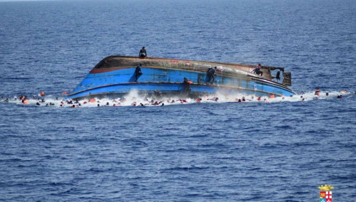 migranti naufragio